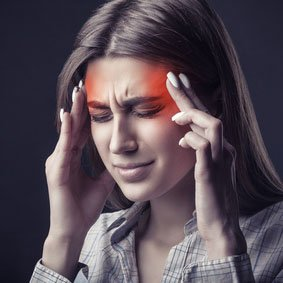 Ból głowy - kiedy do lekarza? Objawy alarmowe