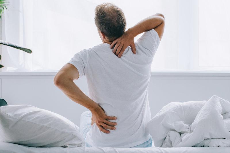 Ból pleców czyli ból kręgosłupa, krzyża i łopatek
